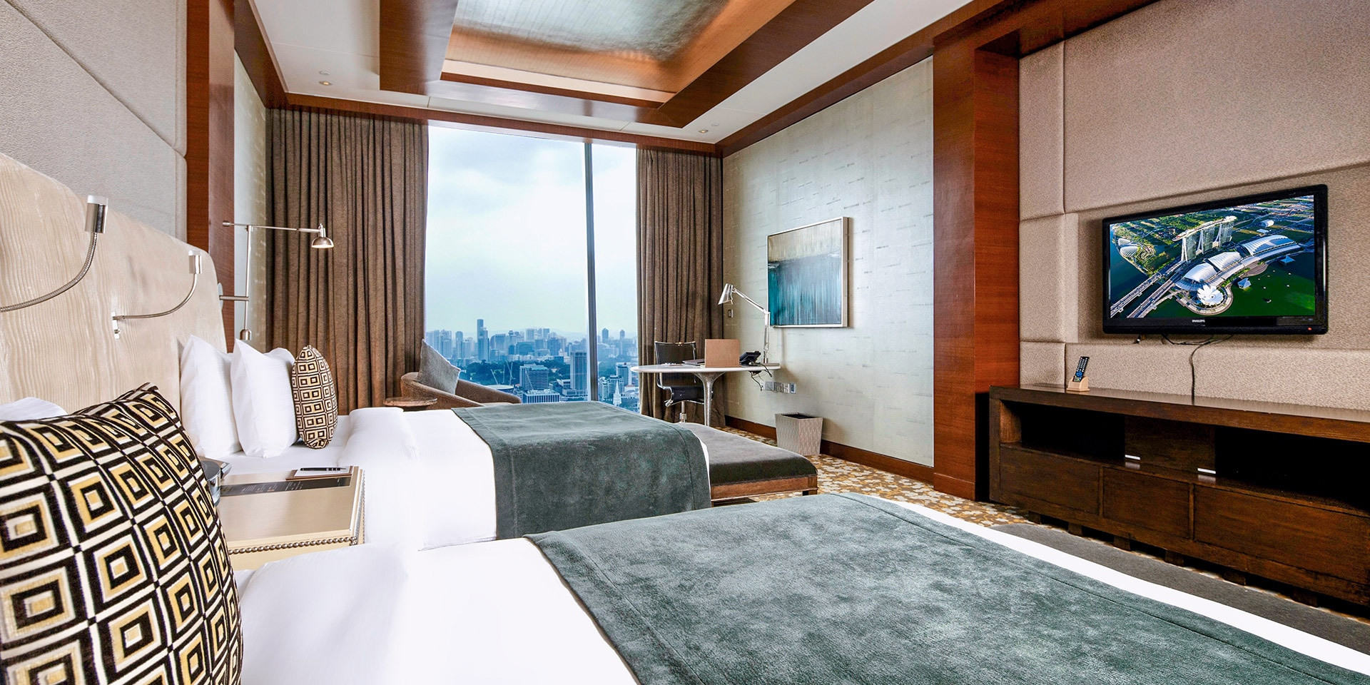 Straits Suite with City View from Living Room, Marina Bay Sands